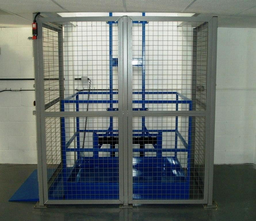 Flexible mezzanine flooring allowing access via installed lift