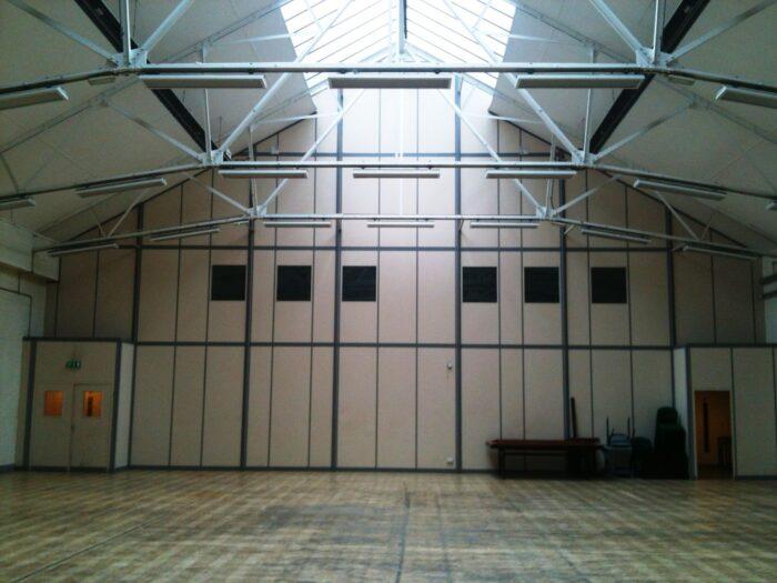 Warehouse dividing wall